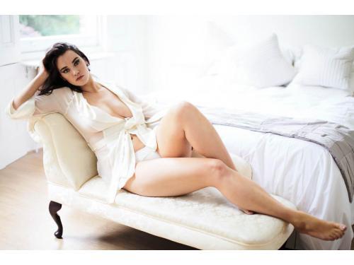 London based boudoir photographer